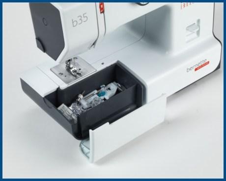 BERNINA bernette B35 - Mechaniczna maszyna do szycia dla początkujących - Pojemnik na akcesoria