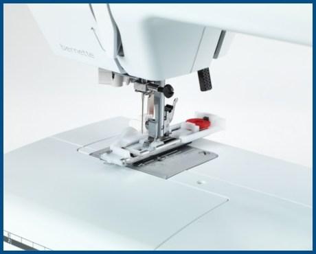 BERNINA bernette B35 - Mechaniczna maszyna do szycia dla początkujących