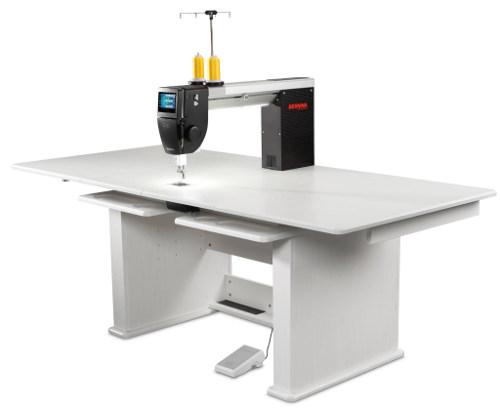 BERNINA Q20 - Wersja ze stolikiem do pikowania
