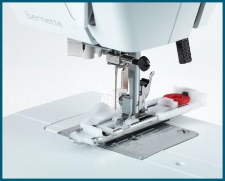 BERNINA bernette B35 - Mechaniczna maszyna do szycia dla początkujących - Automat do dziurek