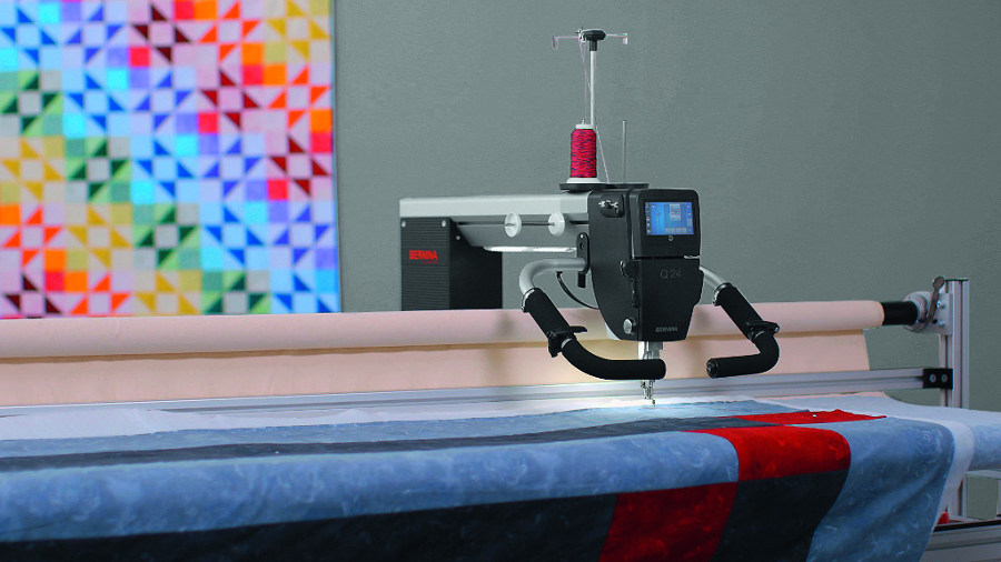 BERNINA LongArm Q24 z ramą do pikowania