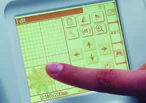 Sterowanie poprzez dotykowy ekran - BERNINA Deco 340 PL